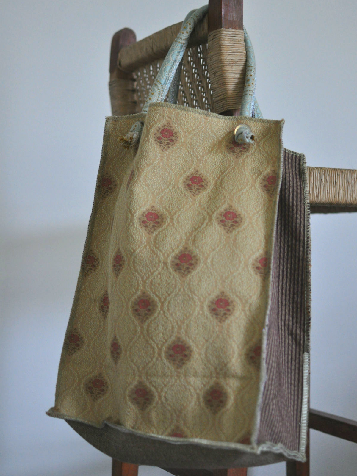 Houston-Draperies-Autumn-tote-back