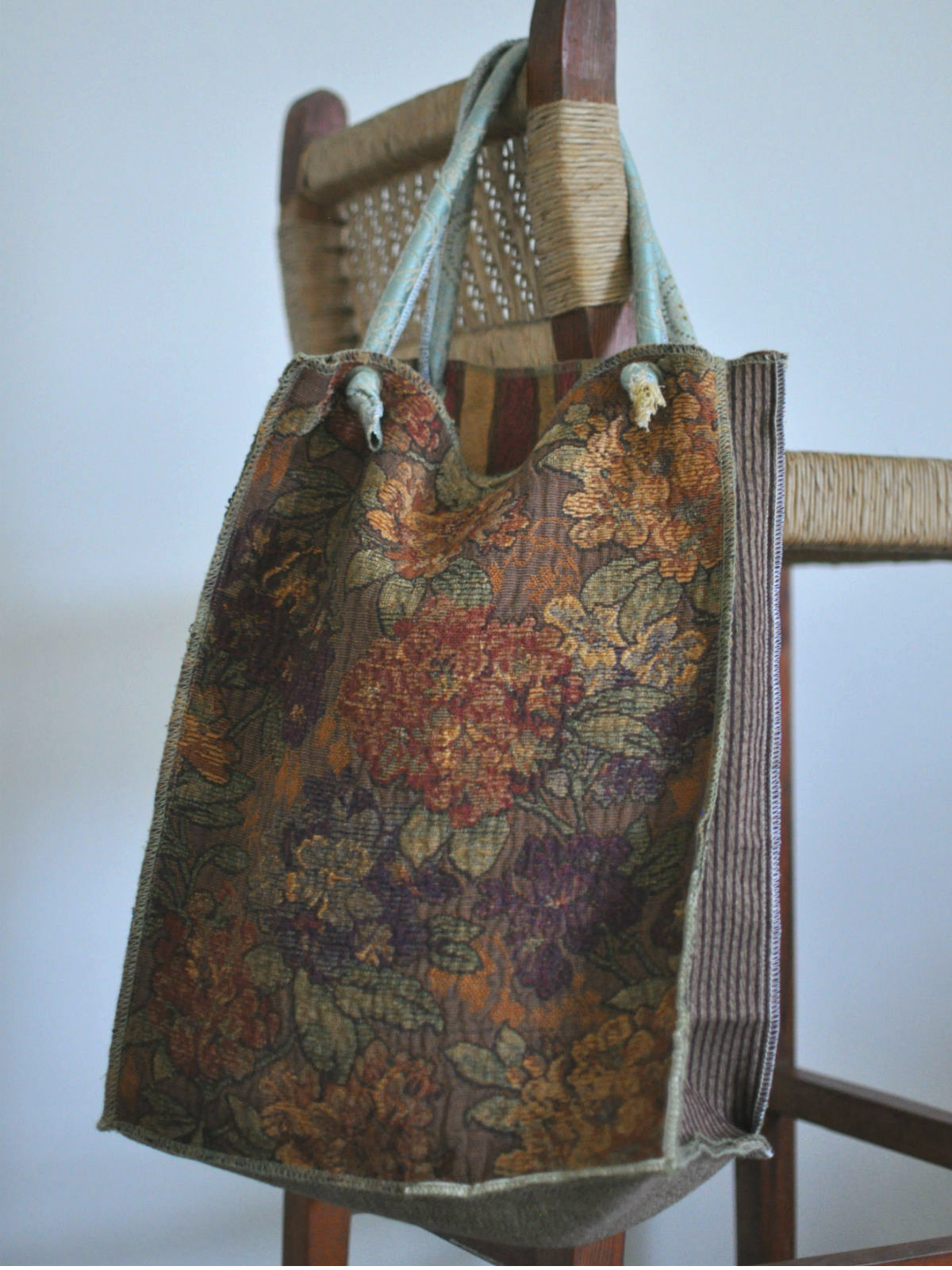 Houston-Draperies-Autumn-tote-front