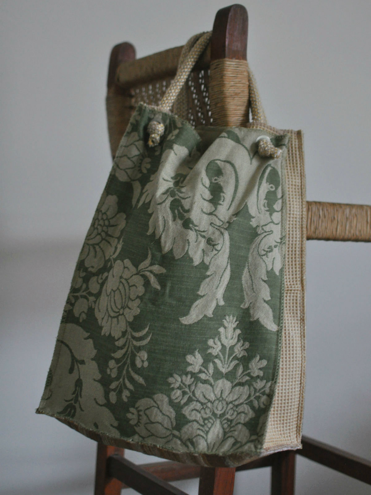 Houston-draperies-evergreen-tote-back